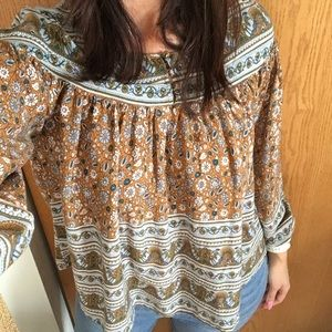 URBAN OUTFITTERS BOHEMIAN TOP